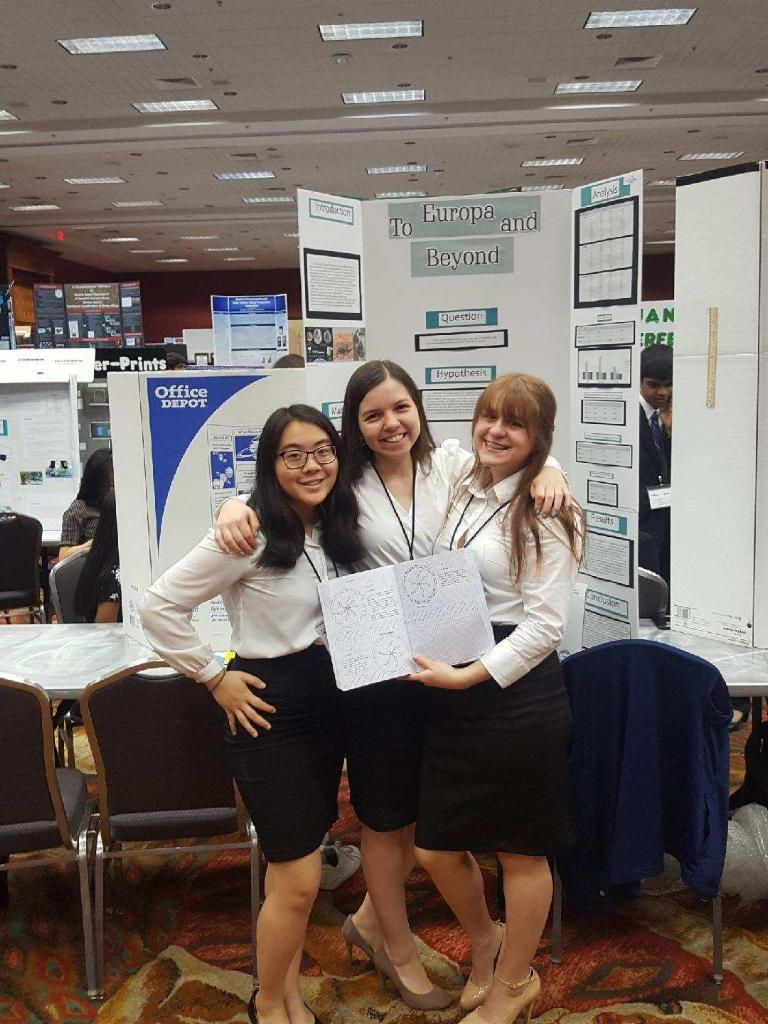 Trio+joins+forces+to+advance+to+international+science+fair
