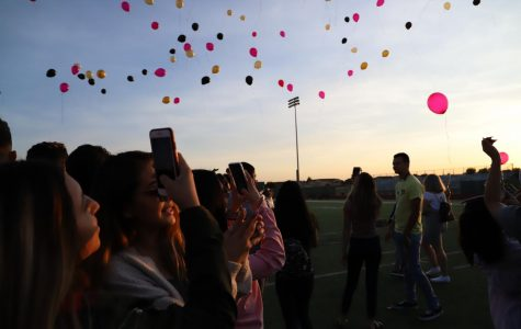 Seniors Greet the Sun at Annual Tradition