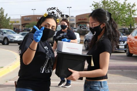 Counselors celebrate Top 15 with drive-thru ceremony